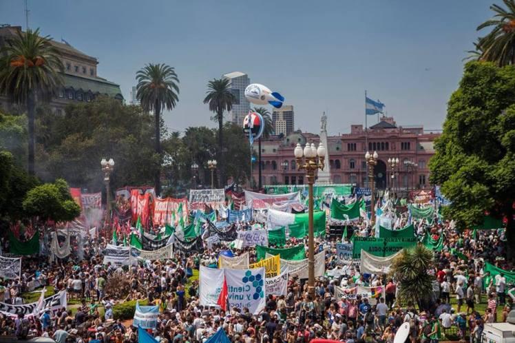 marcha de ate en plaza de mayo 24 de febrero 2016 (1)
