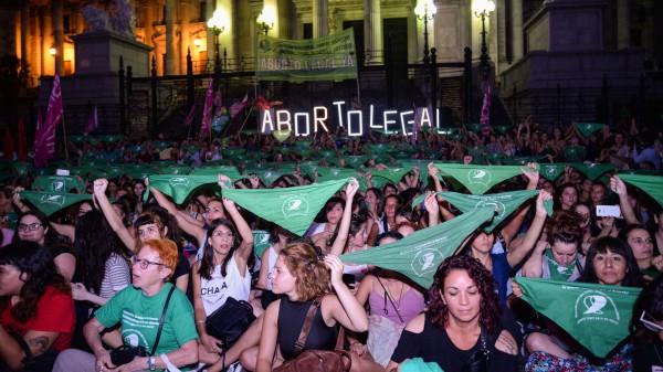 Panuelazo-marcha-protesta-aborto-legal-Congreso-21